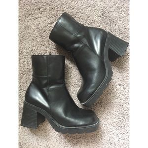 1990s 2000s vintage chunky platform ankle boots